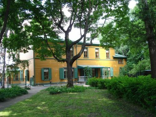 58-Tolstoy's House