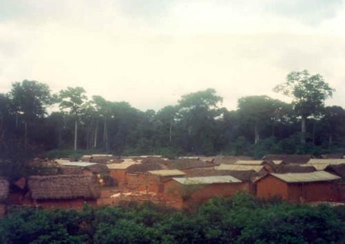 The village of Kosangbé, ca. 1979.